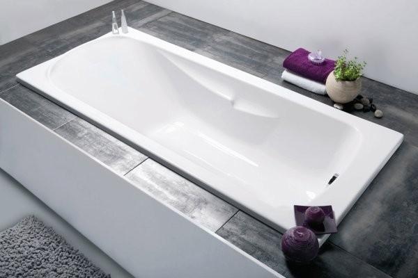 Les tendances pour votre salle de bain en 2017 Salle de bain baignoire rose