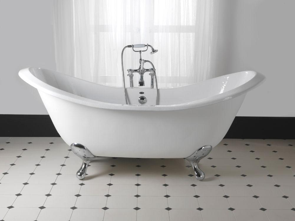 baignoire en fonte. Black Bedroom Furniture Sets. Home Design Ideas