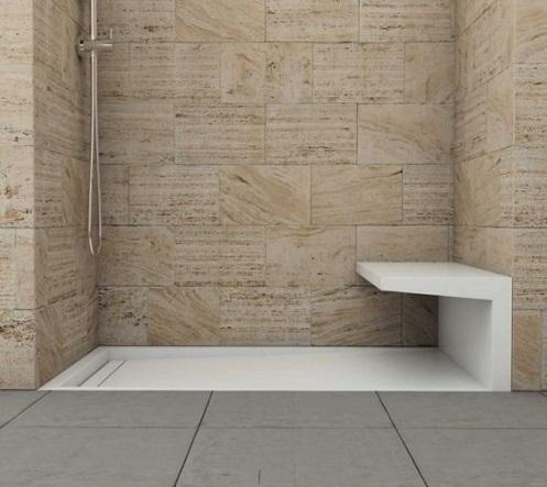 Bac à douche avec banc intégré