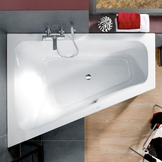 Baignoire angle asymetrique petite salle de bain