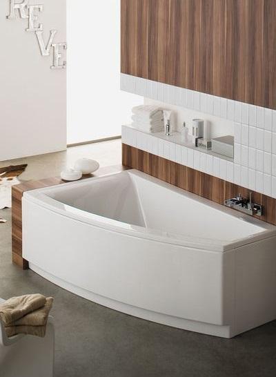 Baignoire asymétrique salle de bain