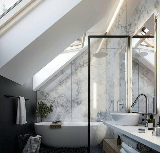 Baignoire ilot salle de bain sous combles