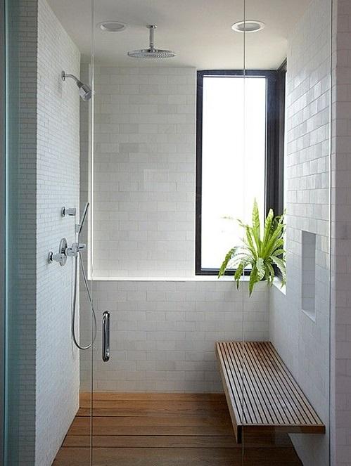 Banc en bois exotique dans douche