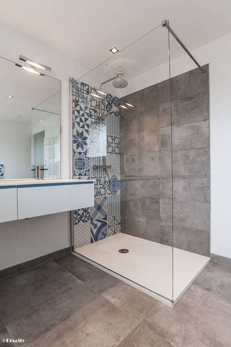 Carreaux de ciment douche salle de bain
