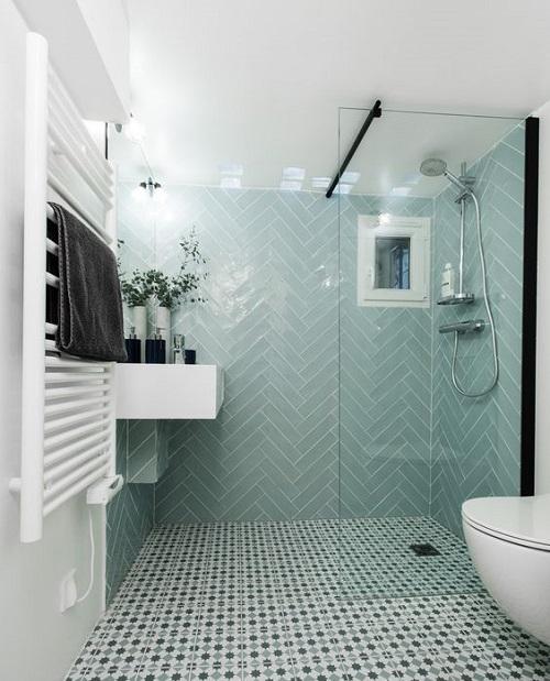 Carreaux de ciment dans la douche