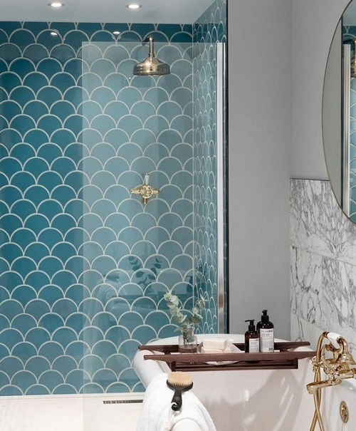 Carrelage de salle de bain en écaille