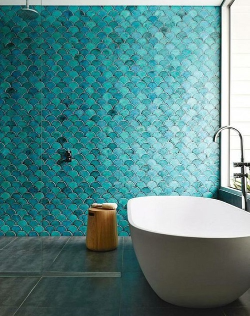 Carrelage écaille vert dans salle de bain
