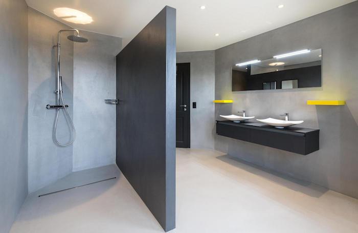 Comment monter un mur dans une salle de bain : les étapes ...