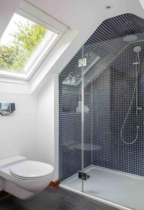 Installer douche sous mansarde