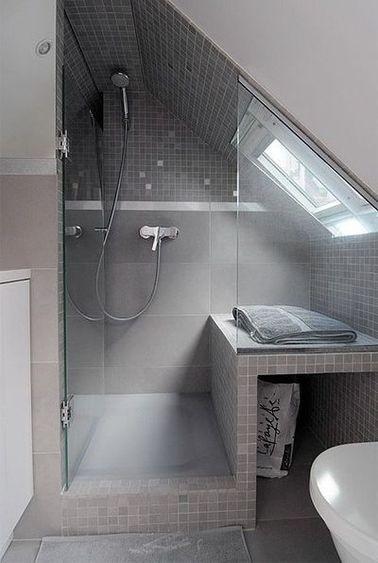 fenetre de toit dans douche sous combles
