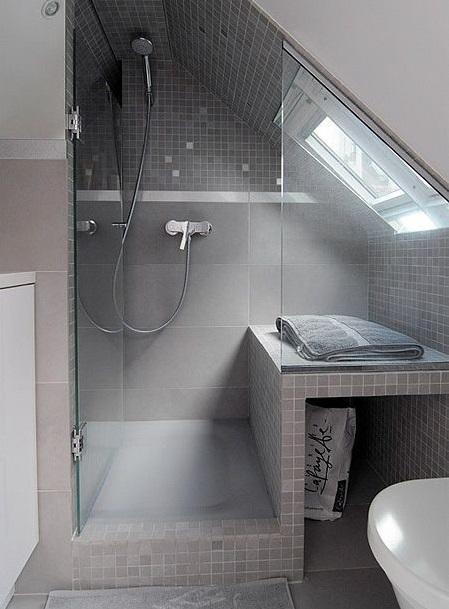 Mettre douche sous les combles
