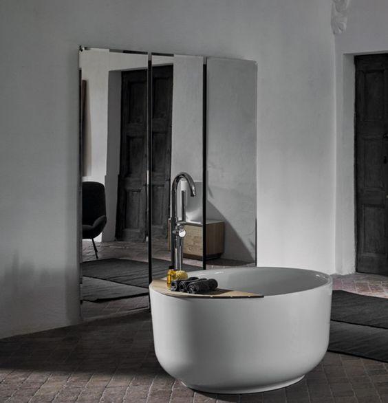 Mettre baignoire ilot dans petite salle de bain