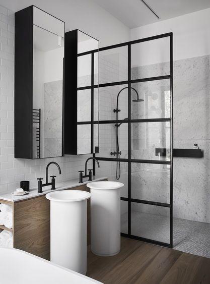 Douche italienne avec paroi industrielle