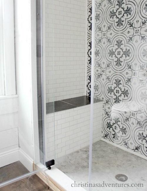 Douche avec carreaux de ciment