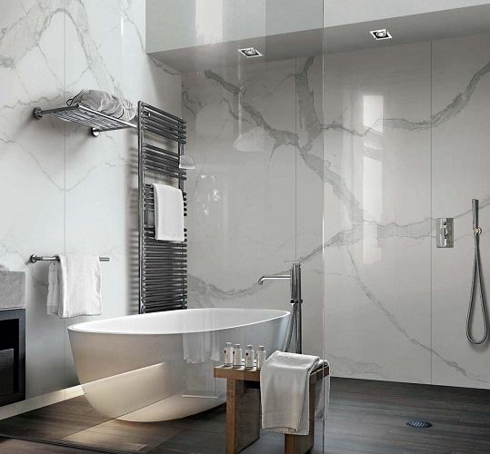 Carrelage mural pour salle de bain de grand format : Faïence ...