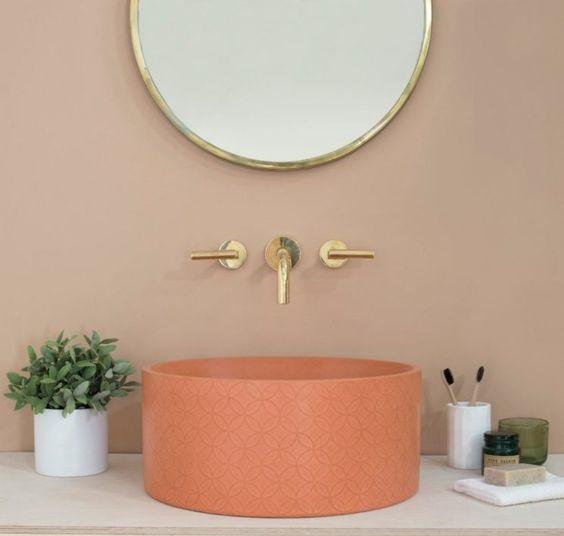 Petite salle de bain rose