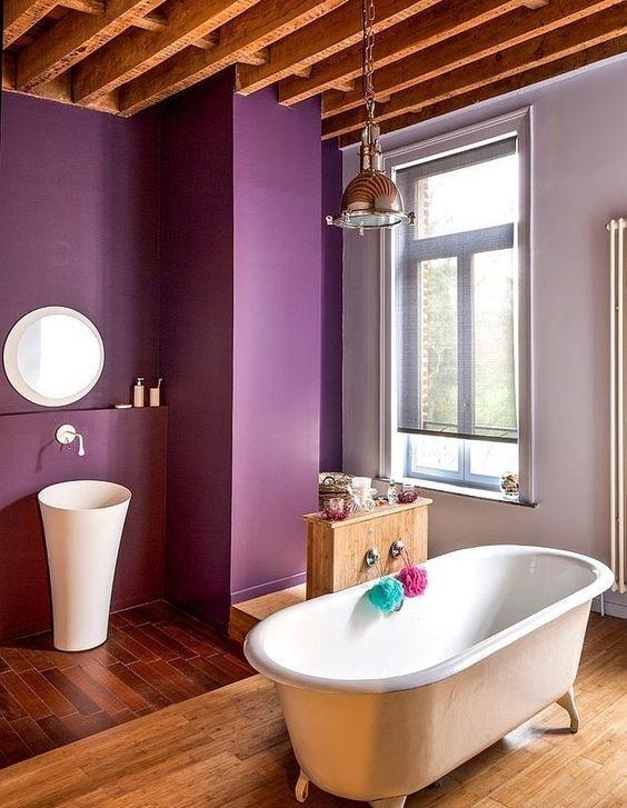 Salle de bain rétro style boudoir