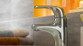 jacob delafon cuisine salle de bain receveur baignoire lavabo robinet wc. Black Bedroom Furniture Sets. Home Design Ideas